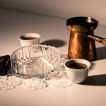 タバコやコーヒーによる歯の着色汚れ、どのくらいで沈着するの?