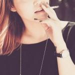 知るのが怖い…タバコがもたらす歯への悪影響